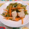 白身魚(パンガシウス)と野菜のポン酢しょうが炒め