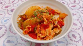 蕪と豚バラ肉のガーリックトマト煮