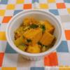 セロリと高野豆腐のカレー風味そぼろ炒め