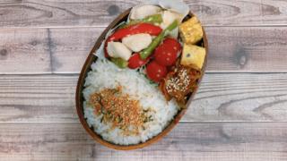 鶏胸肉とパプリカ、アスパラの塩麹炒め弁当